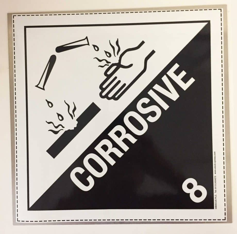 corrosive placard class 8 on metall