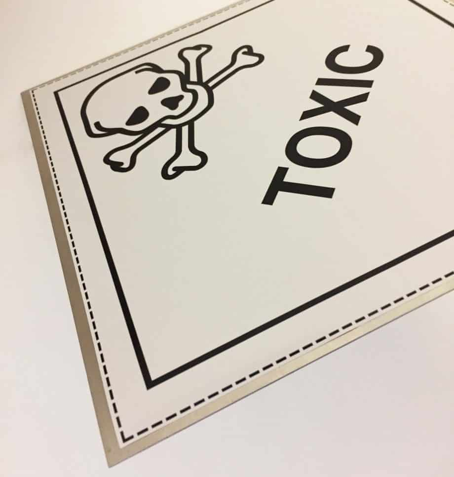 toxic placard class 6 on metal plate